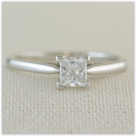 white Gold princess cut solitaire