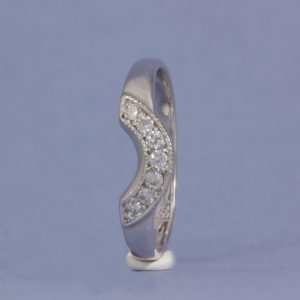 18k diamond crown wedding ring