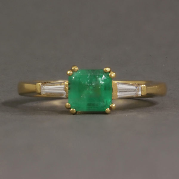 Emerald & Baguette cut diamond ring
